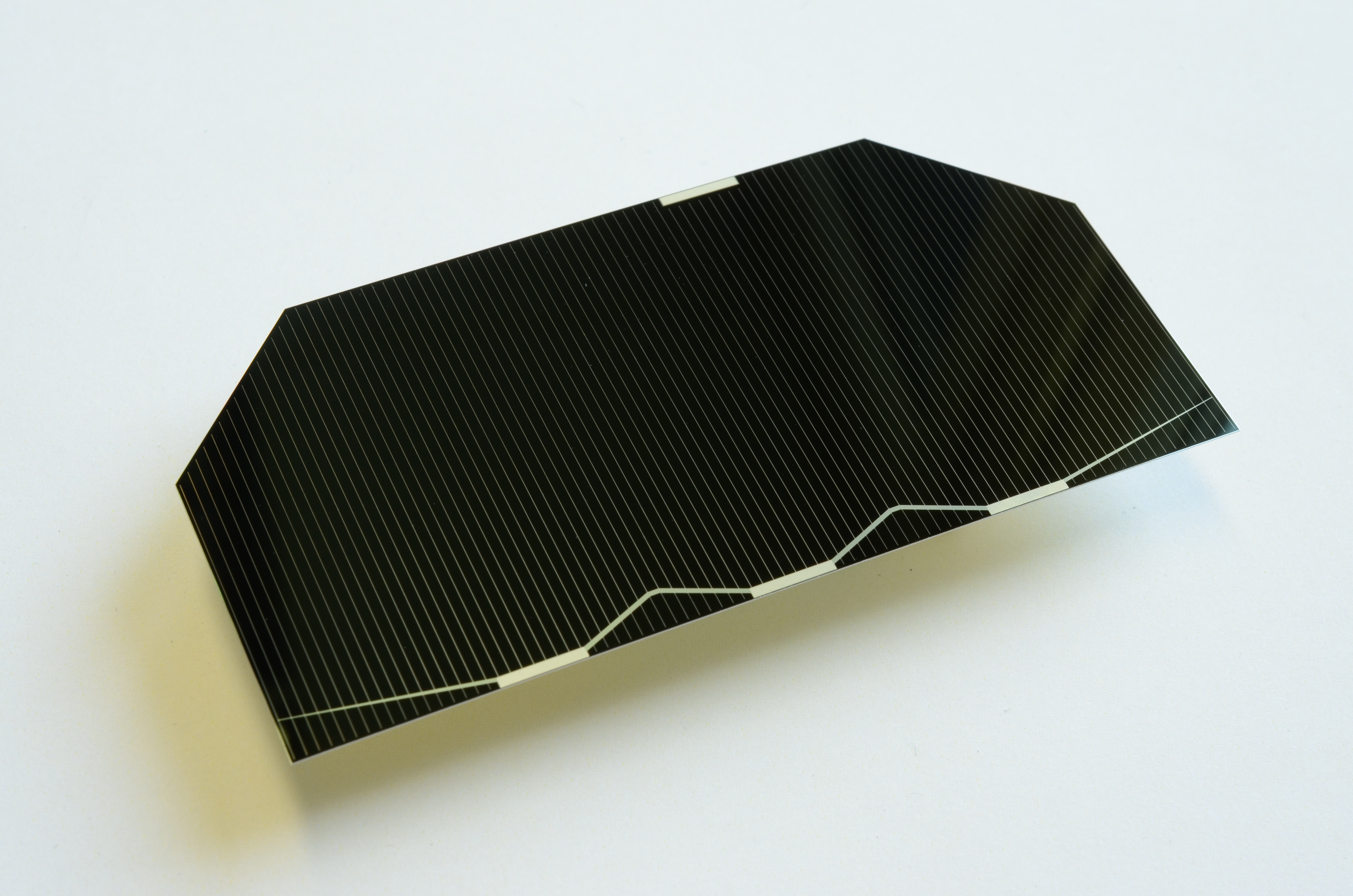 Space In Images 2014 04 30 Efficient Solar Cell