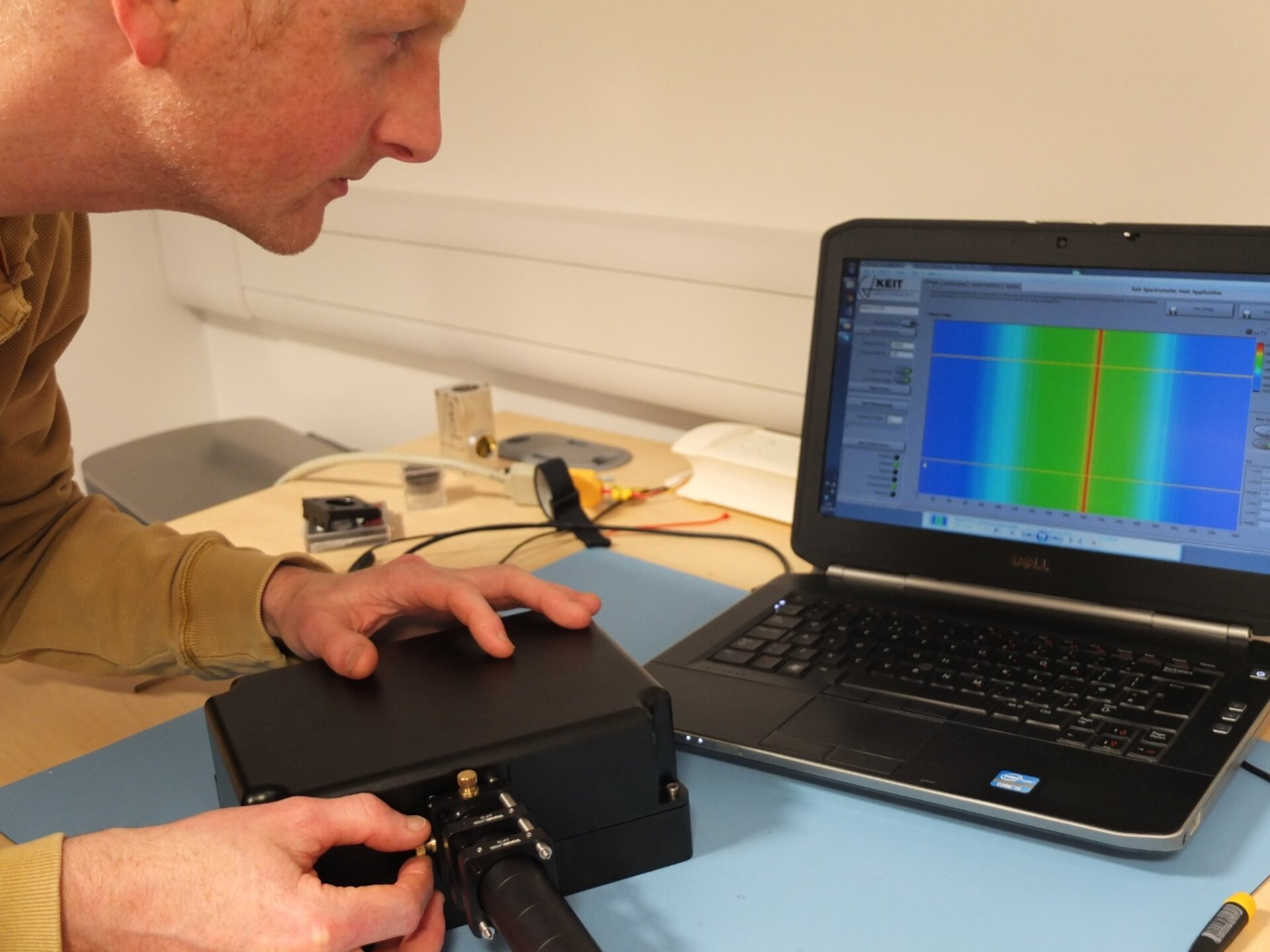Calibrating spectrometer
