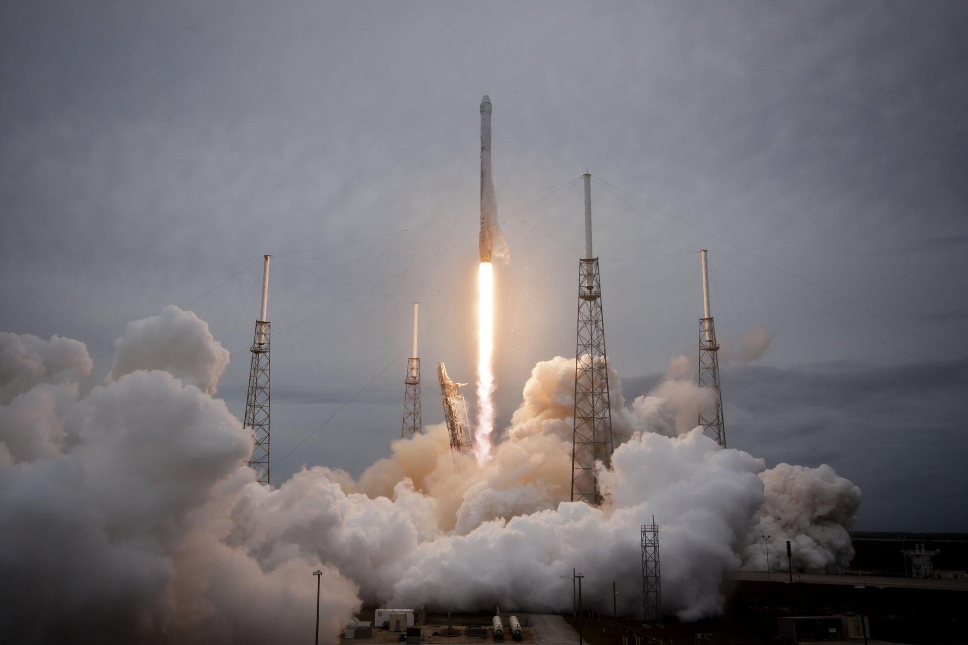 Esa Dragon Launch