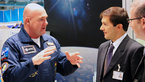 [2/5] Hannover Fair: André Kuipers at CERN ESA stand