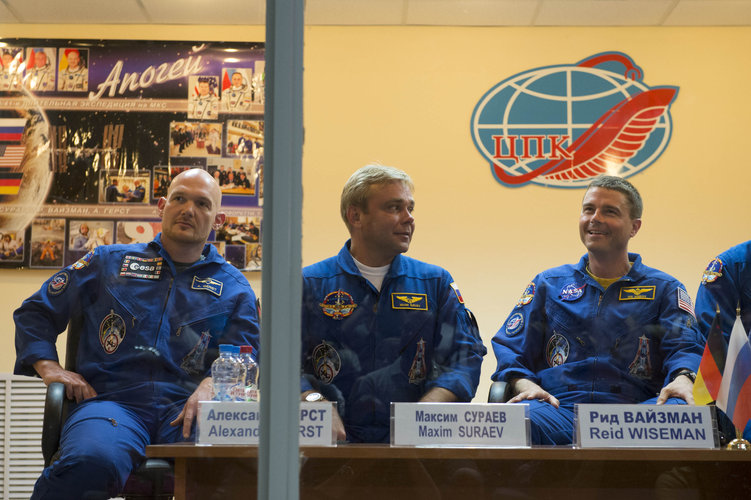 Expedition 40/41 crew members during the press conference
