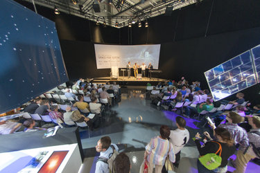 Gerhard Schwehm gives an overview of the Rosetta mission