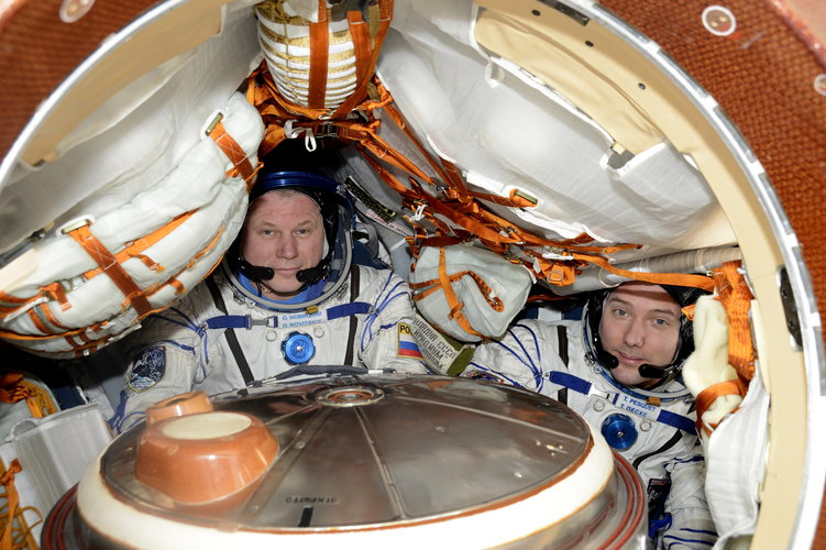 Oleg and Thomas in Soyuz