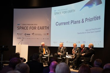Panel discussion on Future Challenges for Global Space Cooperation
