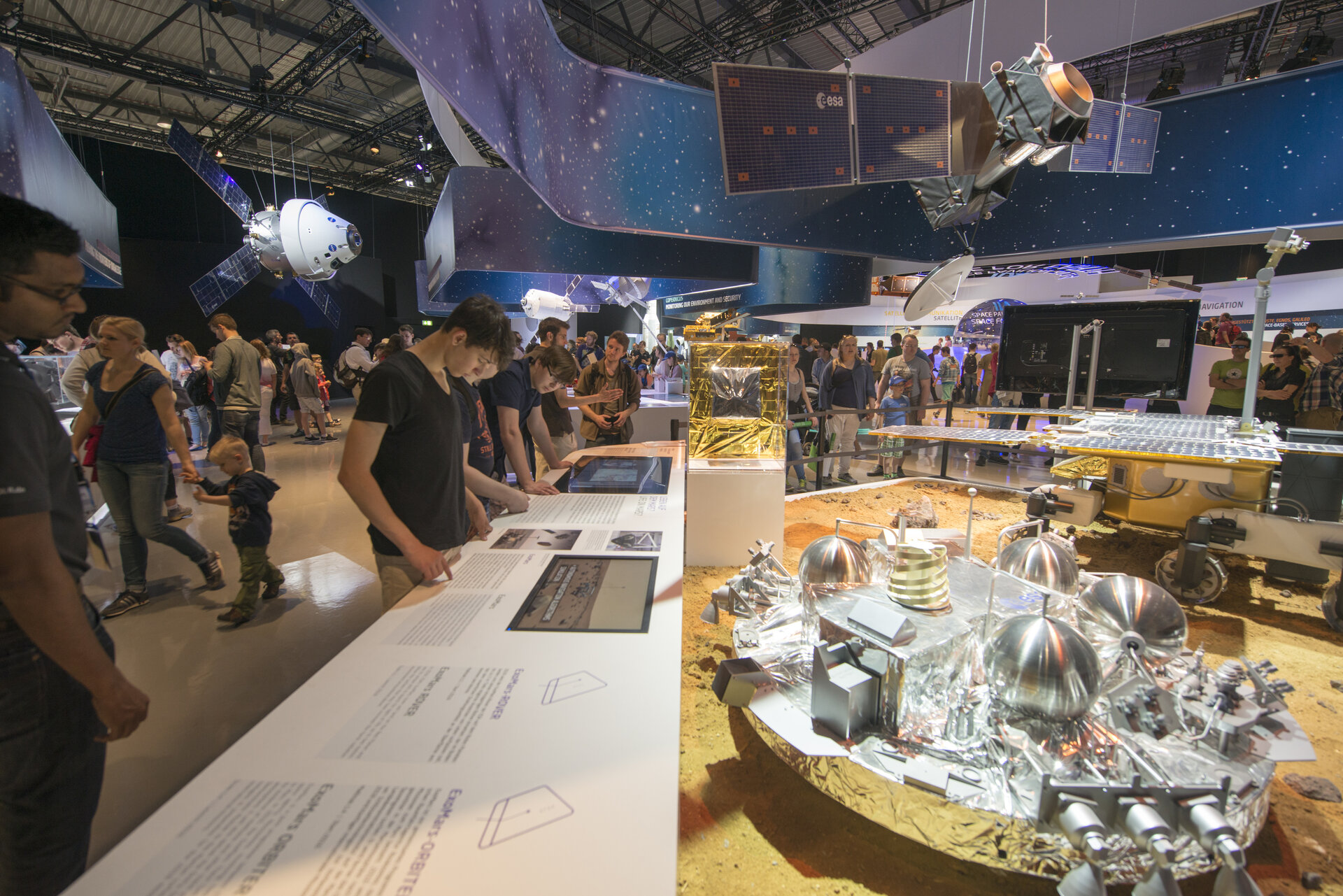 Public day at the 'Space for Earth' space pavilion
