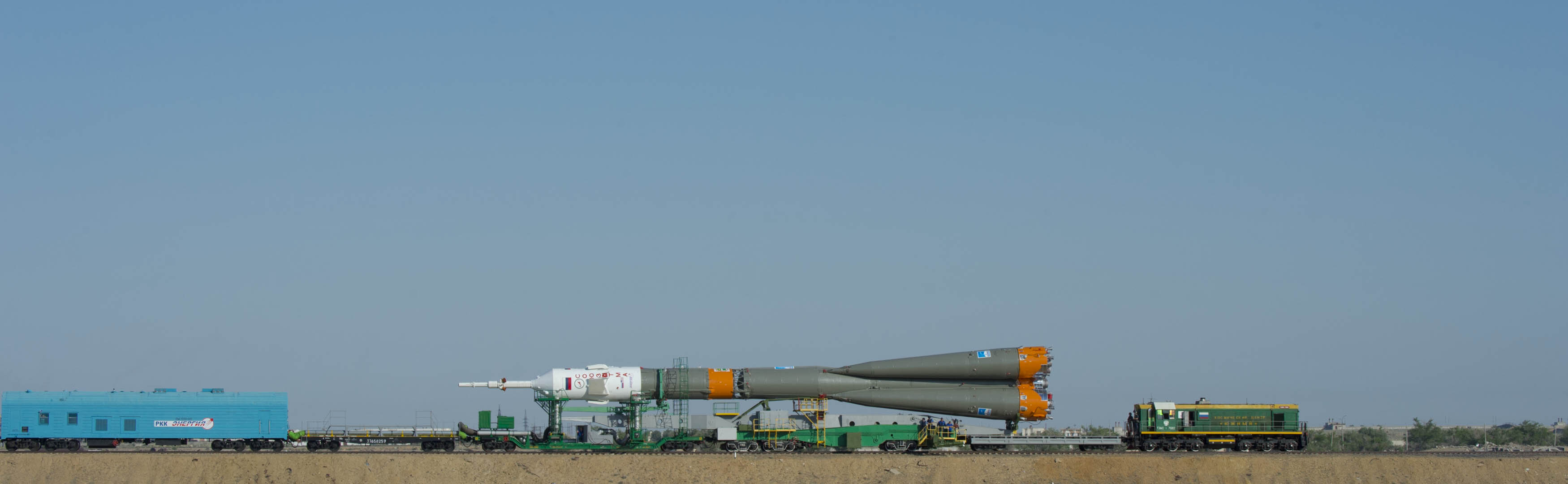 Soyuz moving to launch pad
