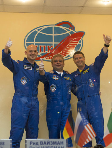 Thumbs up from Expedition 40/41