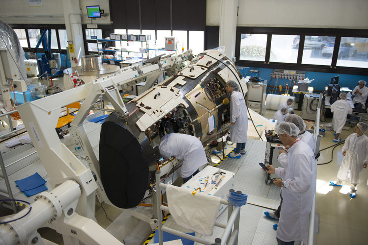 IXV during the last preparations at Thales Alenia Space