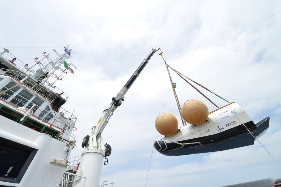 IXV prototype is hoisted