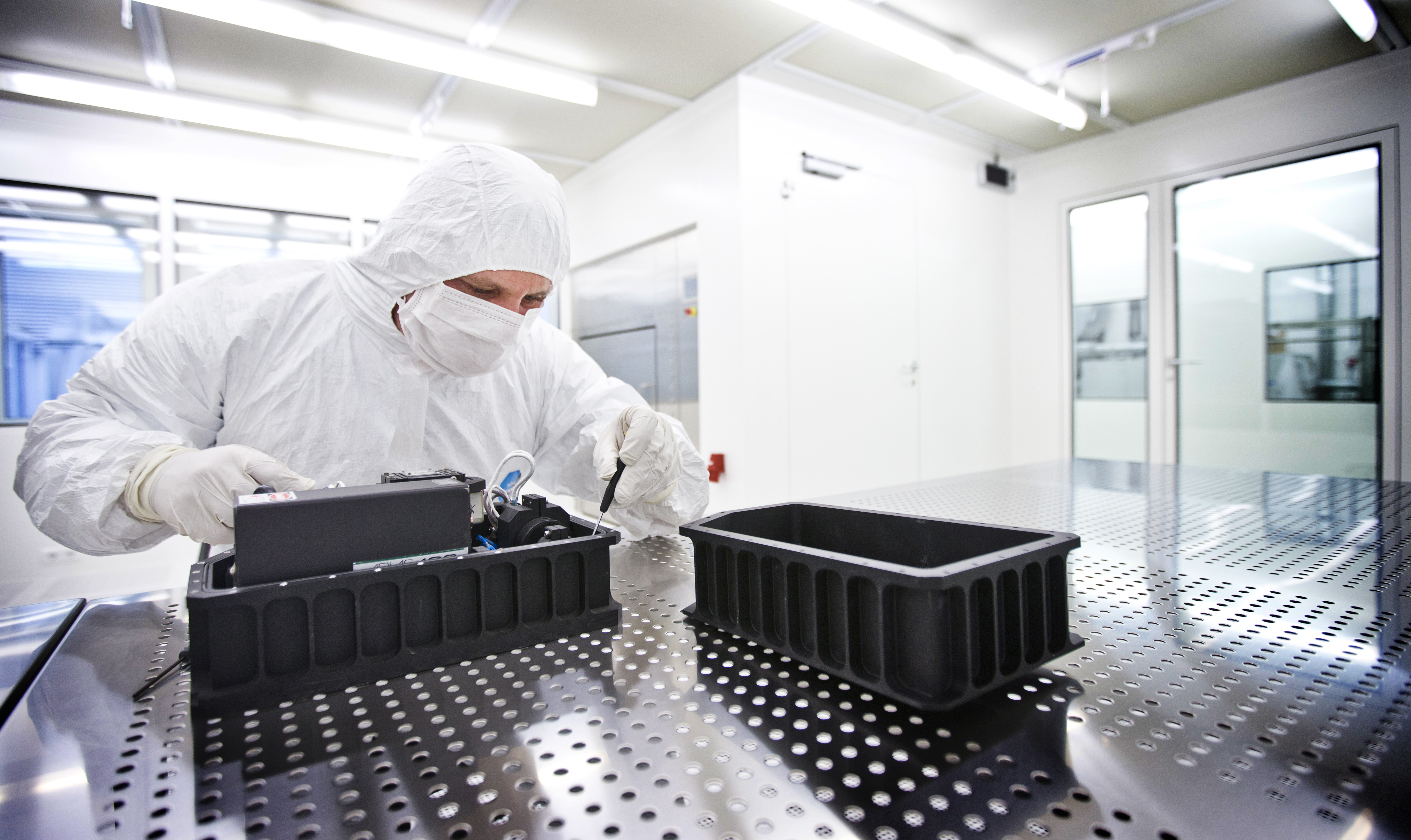 Clean Room: Life, Physical Sciences And