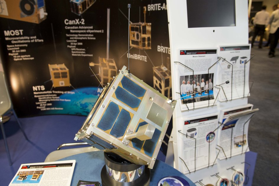 Nanosatellite model