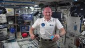 Alexander Gerst makes in-flight call from ISS