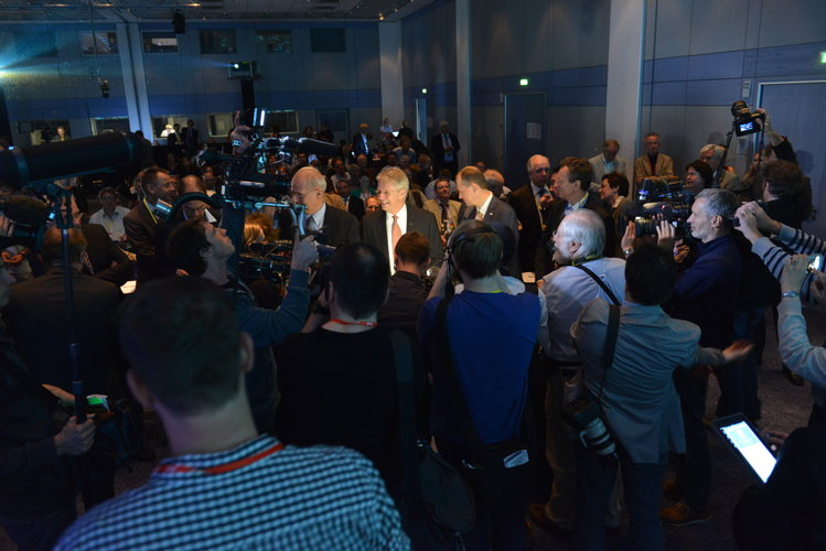 Global media present at ESA-ESOC's Rosetta rendezvous press conference