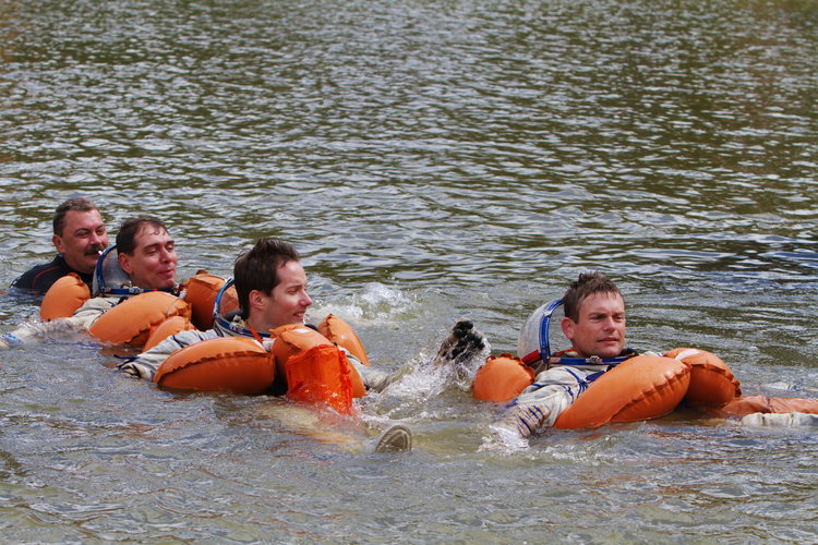Andreas, Thomas and Sergei during survival training