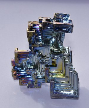 Semi-metallic bismuth crystal
