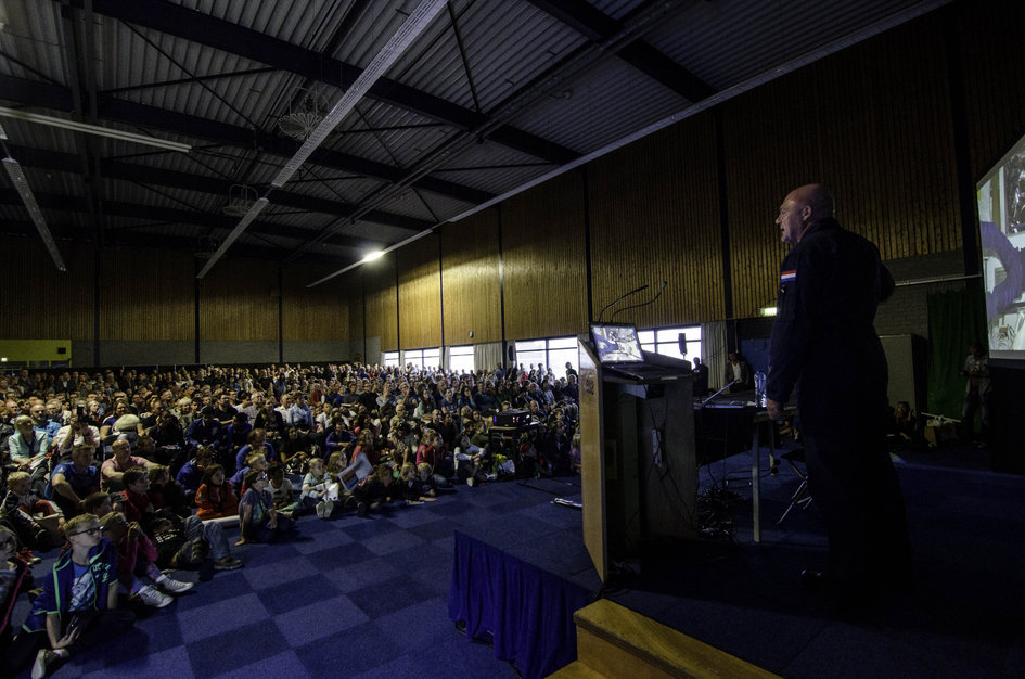 André Kuipers speaks