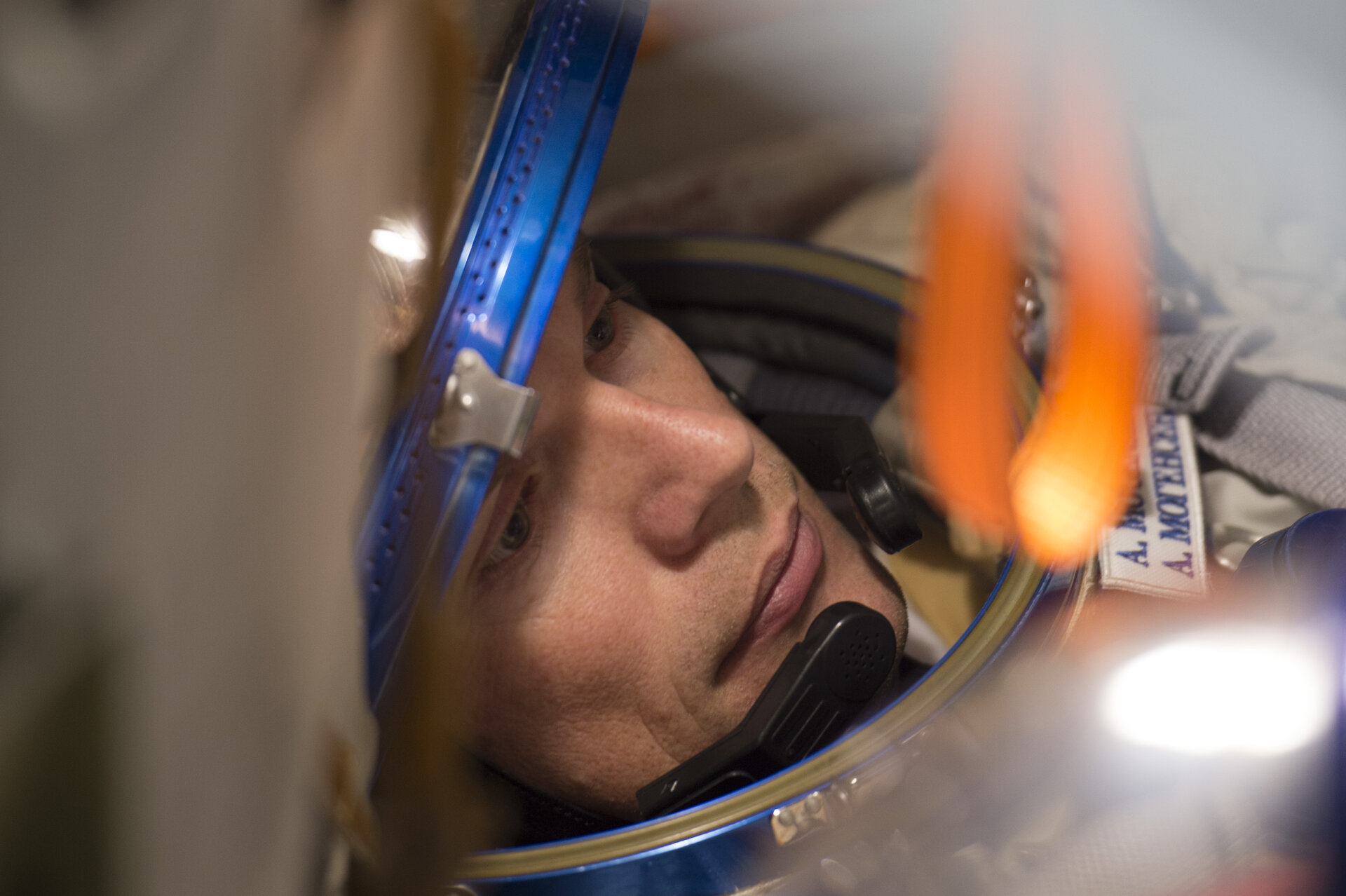 Andreas during a simulation inside the full-scale mockup of the Soyuz capsule