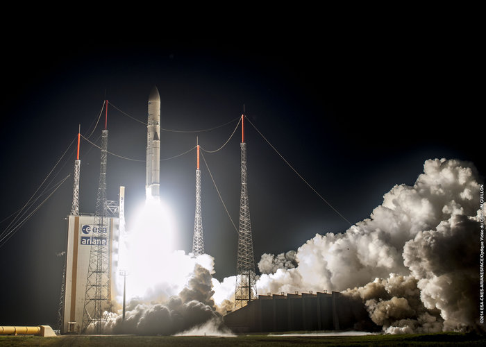 Ariane 5 liftoff on flight VA220