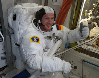 Thumbs-up for spacewalk