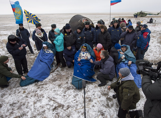 Expedition 41 Landing