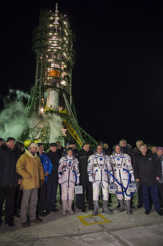 Expedition 42/43 crew members and dignitaries at the launch pad