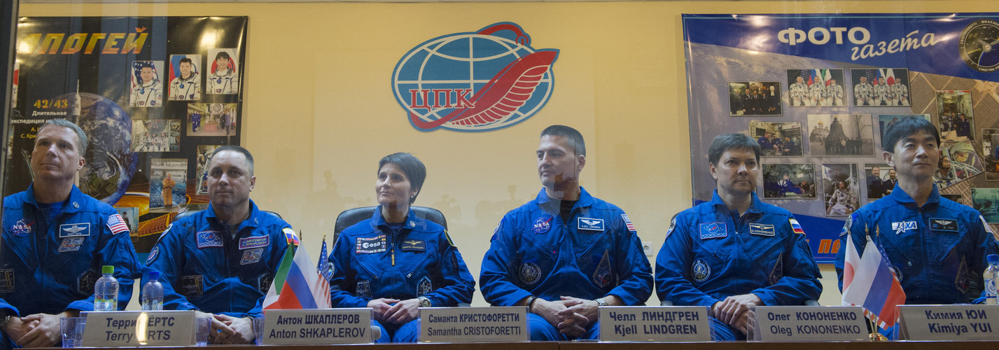 Expedition 42/43 press conference