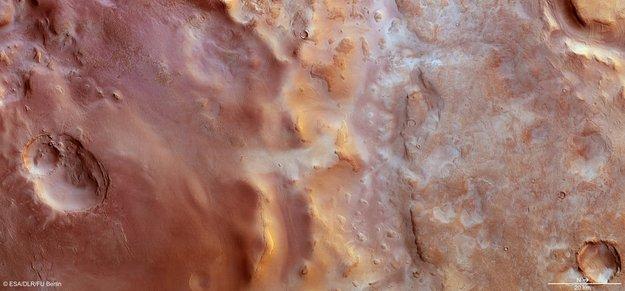 Vinter-frost i Hallas bassinnet på Mars