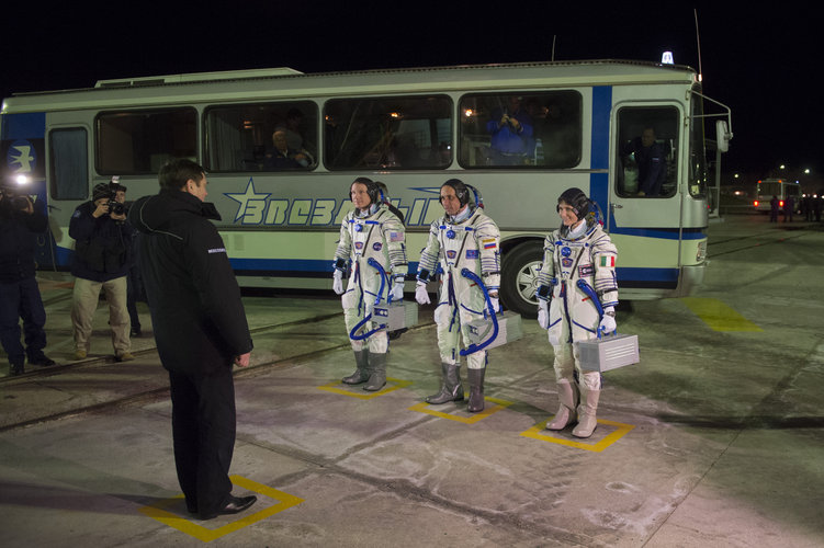 Oleg Ostapenko and Expedition 42/43 crew members