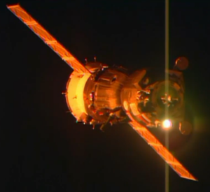Soyuz TMA-15M approaches Station