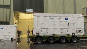 Galileo - Le système de positionnement européen  - Page 9 Latest_Galileo_satellite_arrives_at_ESA_medium