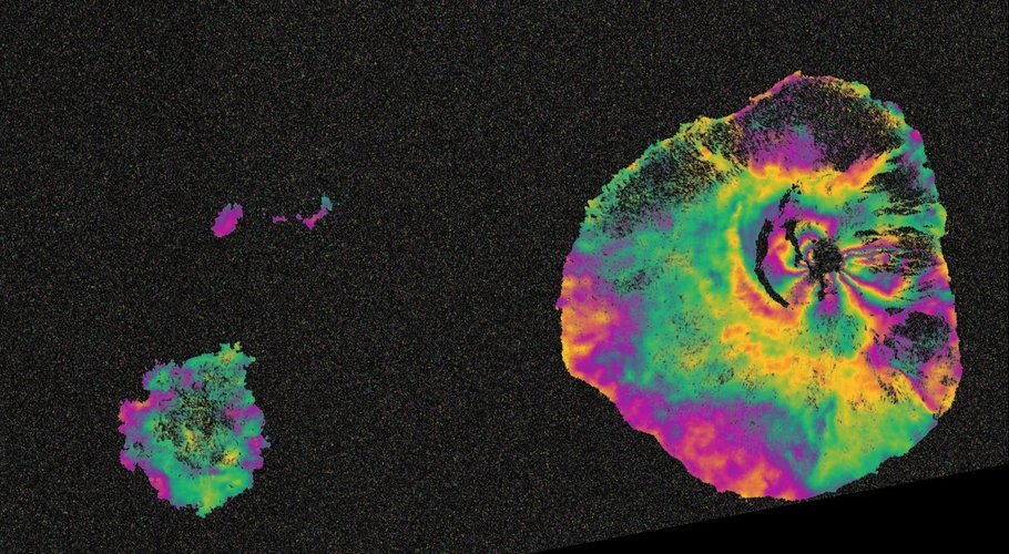 Sentinel-1 maps Fogo eruption