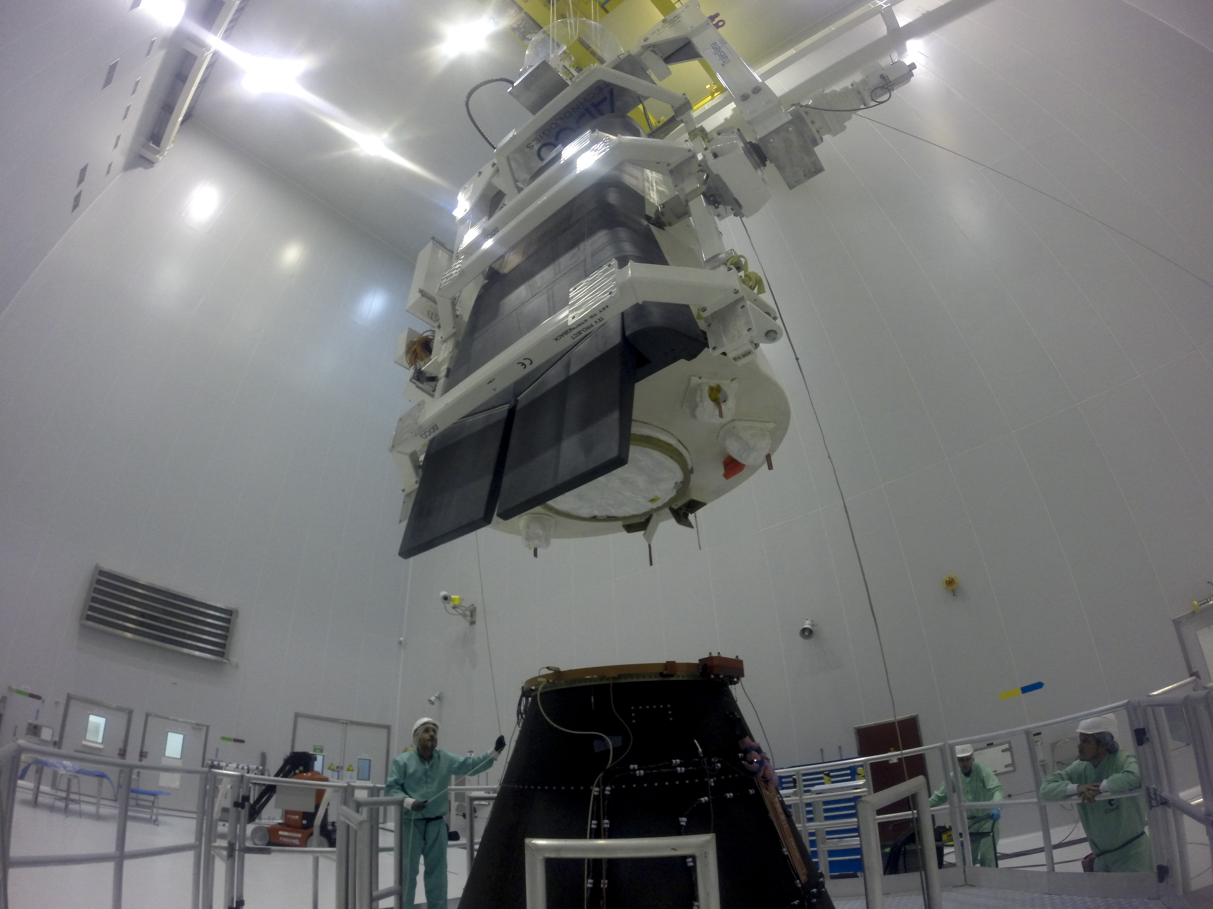 http://www.esa.int/var/esa/storage/images/esa_multimedia/images/2015/01/preparing_ixv_for_installation_on_its_payload_adapter/15210314-2-eng-GB/Preparing_IXV_for_installation_on_its_payload_adapter.jpg
