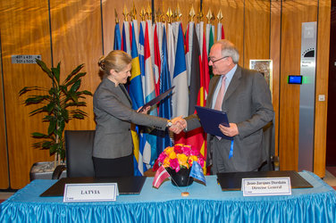 Signature of the PECS Charter between ESA and Latvia
