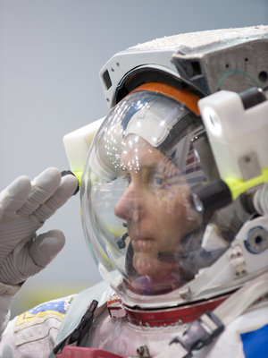 Thomas spacewalk training