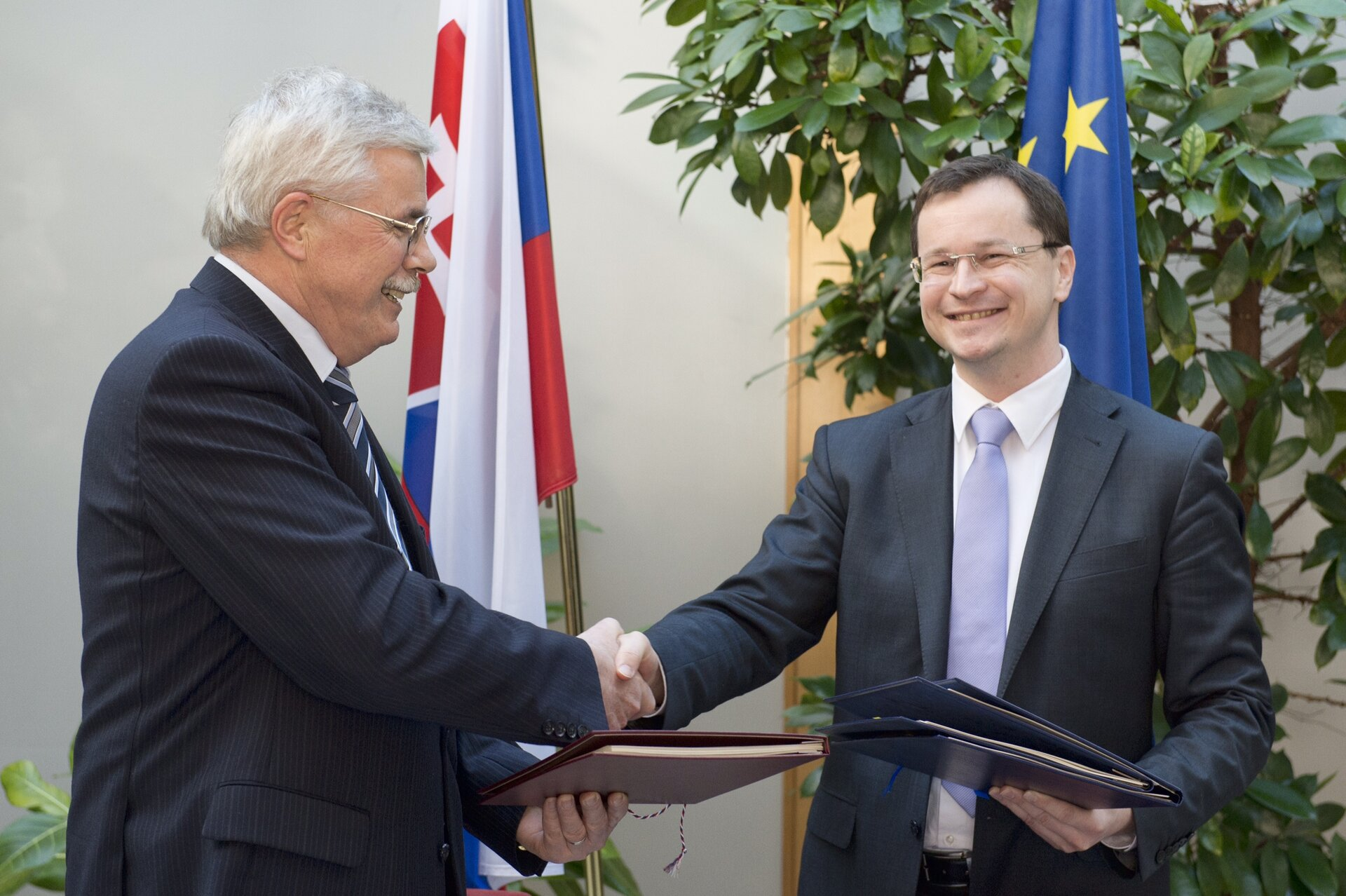 Signing ceremony of ECS Agreement in Slovakia