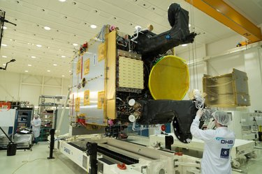 SmallGEO AG1 completes integration in OHB cleanroom