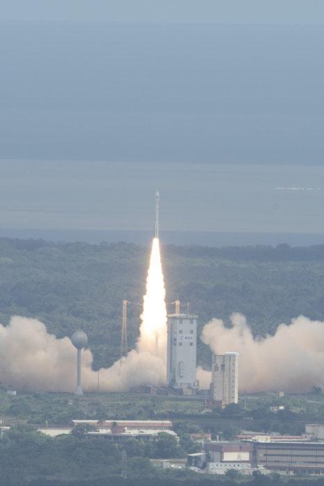 Title Vega VV04 IXV Liftoff