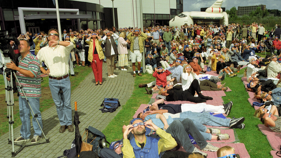 Solar Eclipse event at Space Expo 1999