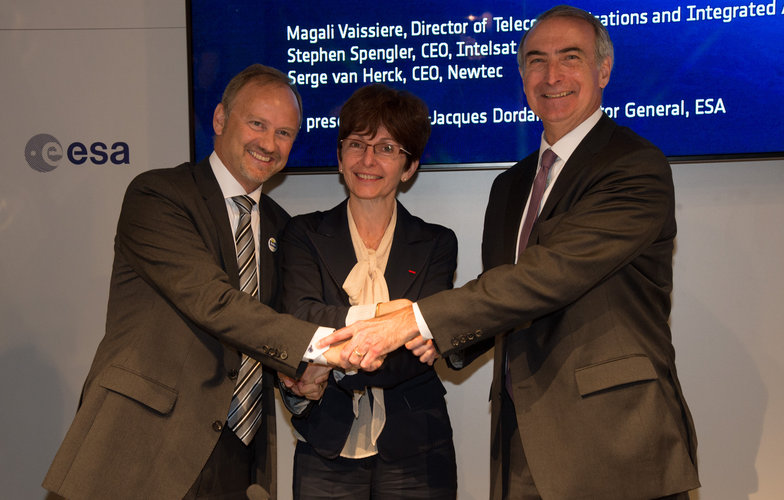 ESA and Intelsat sign Indigo public–private partnership