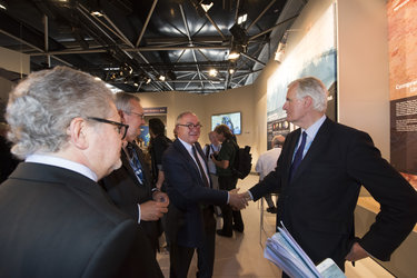 Jean-Jacques Dordain welcomes Michel Barnier to the ESA pavilion