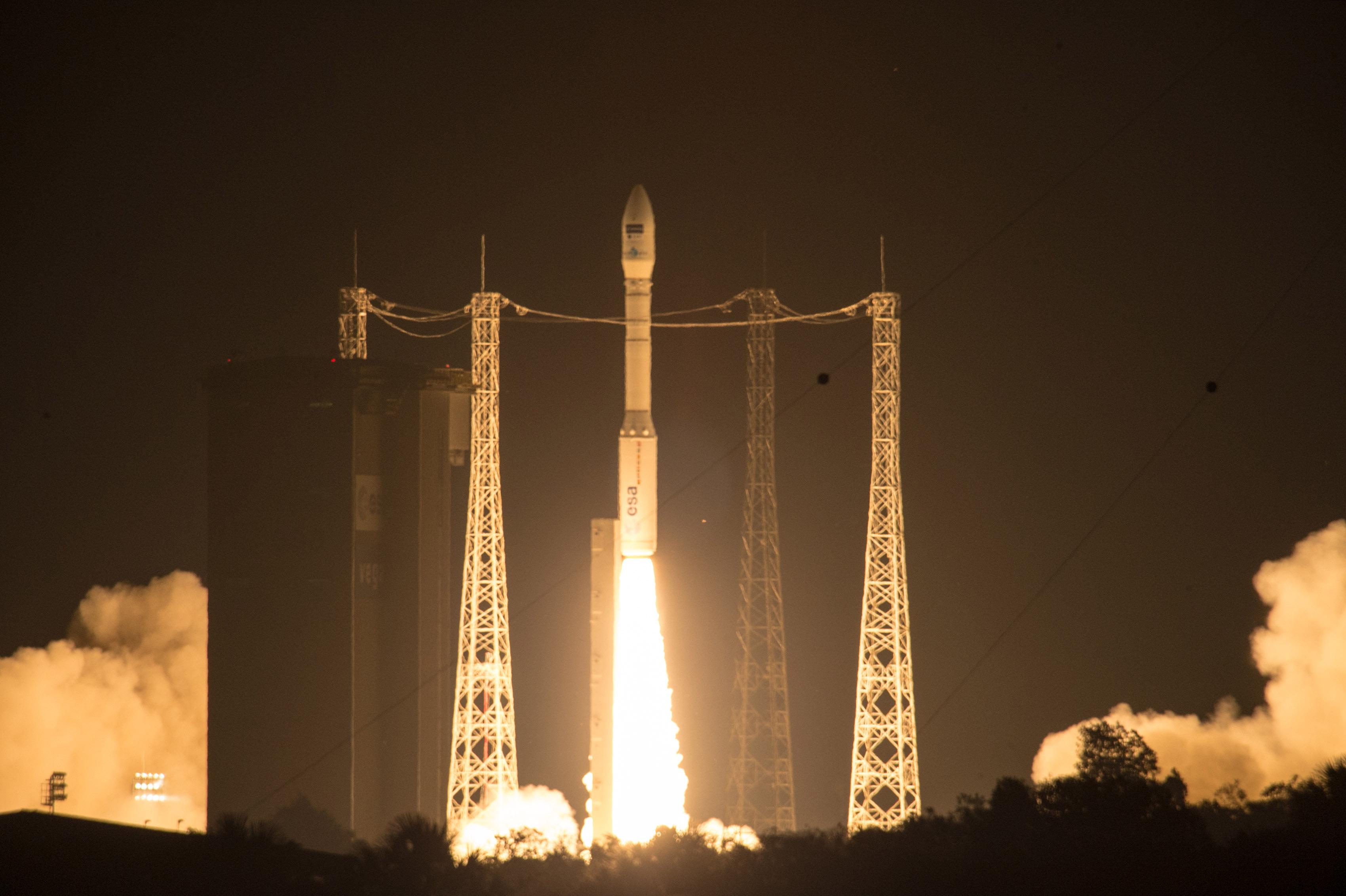 Start rakiety Vega z satelitą Sentinel 2A na pokładzie. ESA–M. Pedoussaut, 2015