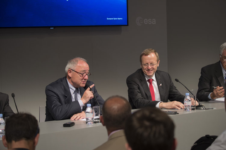 Press conference at the ESA pavilion