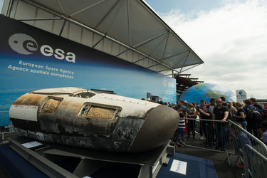 Public in front of the ESA Pavilion, Paris Air and Space Show