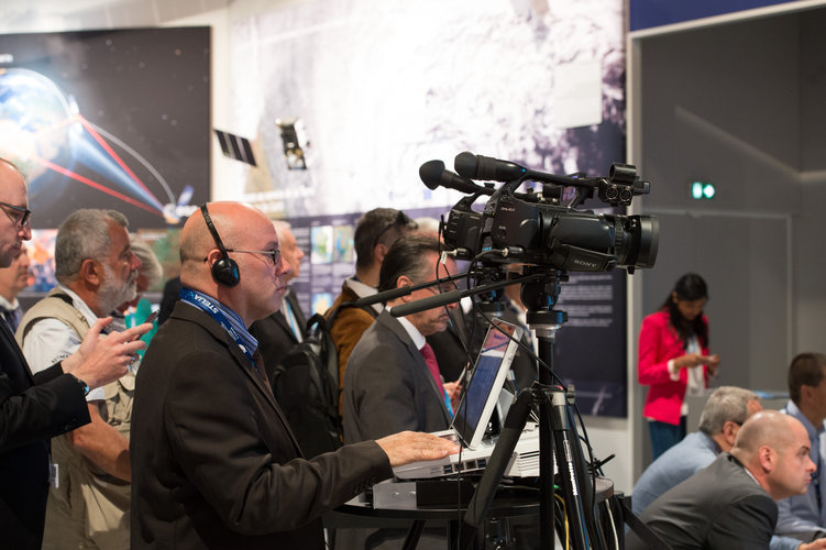 Rosetta briefing at the ESA Pavilion