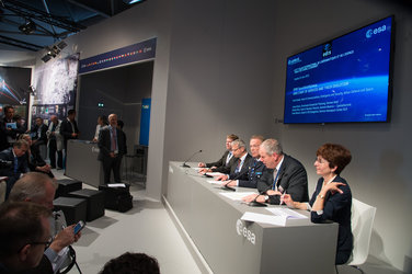 Roundtable: the services of EDRS, Europe's SpaceDataHighway