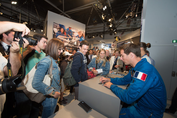 Thomas Pesquet meets the public at the ESA pavilion