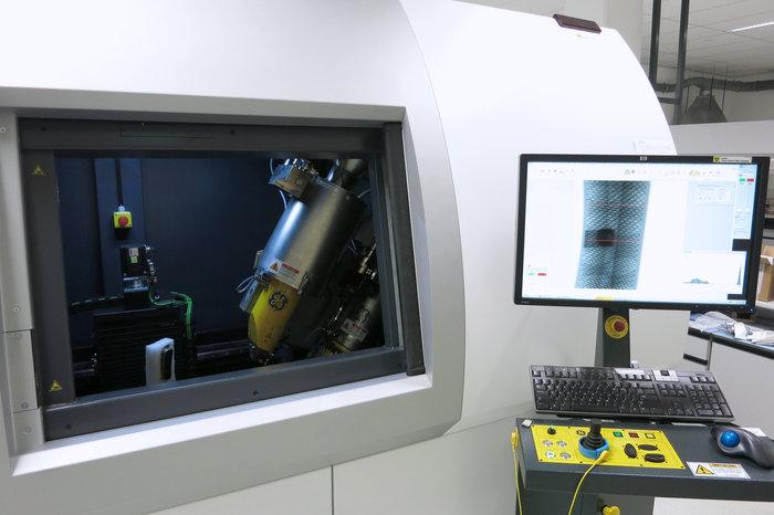 tomography machine