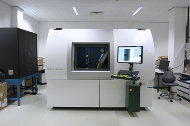 X-ray tomography machine