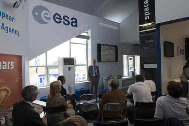 Giacinto Gianfiglio presents the ExoMars project at MAKS 2015