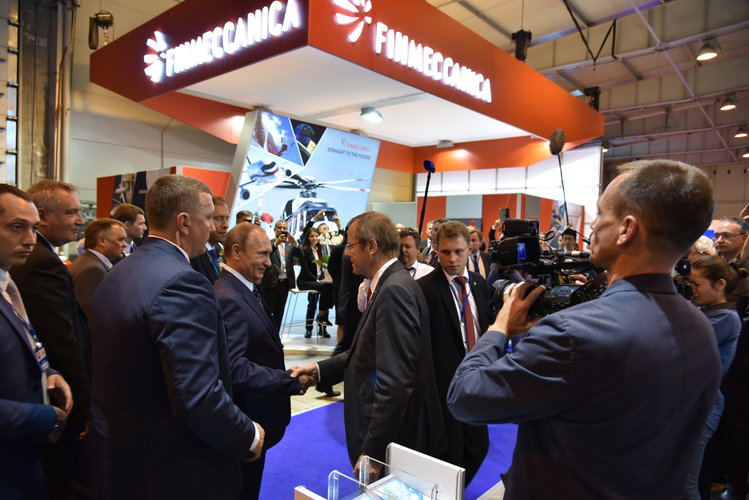 Jan Wörner encounters Vladimir Putin at MAKS 2015